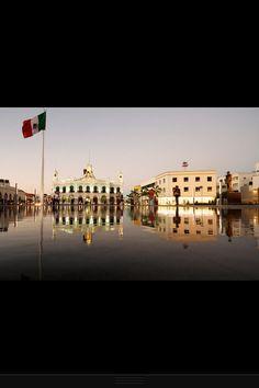 Plaza central de la ciudad de Villahermosa ,México