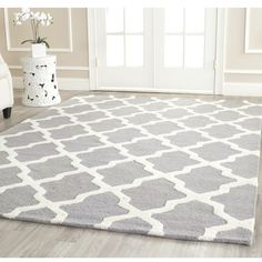 Safavieh Handmade Moroccan Cambridge Silver Wool Rug ($257) ❤ liked on Polyvore featuring home, rugs, rooms, flooring, interior, moroccan trellis rug, moroccan trellis area rug, safavieh rugs, cream rug and ivory rug