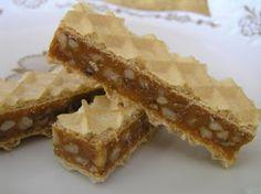 Ági főz: Karamellás ostya Hungarian Desserts, Hungarian Recipes, Desserts With Biscuits, Cookie Desserts, Croation Recipes, Condensed Milk Cake, Polish Desserts, Non Plus Ultra, Waffle Cake