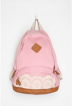 cute! i haven't carried a backpack since i was 13, but i would definitely use this one.