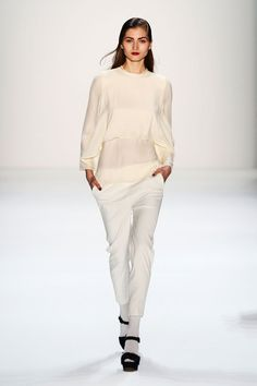 Issever Bahri | Fall 2013 Ready-to-Wear Collection | Style.com