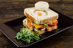 Sanvitx calent amb ou, formatge i pernil