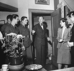 How to Exit a Room Like a Man | The Art of Manliness