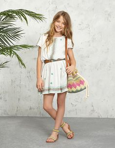 See the source image Pepe Jeans, Kids Outfits Girls, Tween Girls, Girl Outfits, Preteen Fashion, Girl Fashion, Cute Summer Outfits, Pretty Outfits, Little Girl Dresses