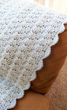 [Free Pattern] Simply Gorgeous Living Room Afghan