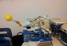Percussionist Bot plays maracas & bongos - Robot percussionista suona maracas e bonghi #lego #robot #mindstorm Maracas, Bongos, Robotics, Stationary, Gym Equipment, Lego, Bike, Ideas, Bicycle
