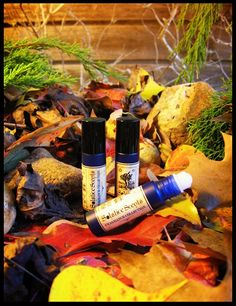 Solstice Scents COVERED BRIDGE #PERFUME ood notes comprised of Virginia Cedarwood EO, Alaskan Cypress Wood EO, Blue Cypress EO and sandalwood meet earthy notes of patchouli, vetiver and musk.  A cool blend of oakmoss, dirt, fir absolute and fern envelopes the dry wood notes and pairs well with a blend of sweet fall air, hay and wood smoke elements.