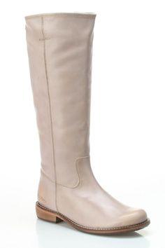 Kickers Road Flat Boots In Beige