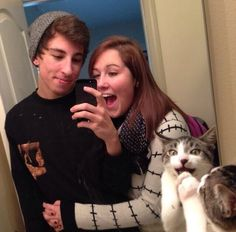 10+ Times Asshole Cats Hilariously Photobombed Purrfect Shots
