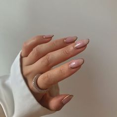 In look for some nail designs and some ideas for your nails? Here's our set of must-try coffin acrylic nails for trendy women. Chic Nails, Dope Nails, Stylish Nails, Classy Nails, Minimalist Nails, Minimalist Fashion, Hair And Nails, My Nails, Shellac Nails