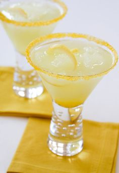 Lemon and sugar are a natural pair. Real lemon added to raw cane sugar is clean and refreshing, never bitter. Dell Cove Spice Co.'s Lemon Drop cocktail rim sugar is sour and sweet, a luscious flavored