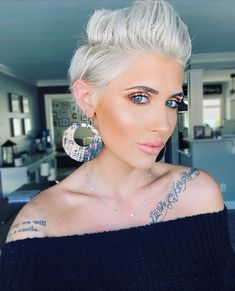 "Raya Coleman on Instagram: ""The cold never bothered me anyway ❄️ . . . #pixie #pixiecut #makeuplook #youniquemakeup #makeupinspo #ootd #outfitinspo #sandiegoblogger…"""