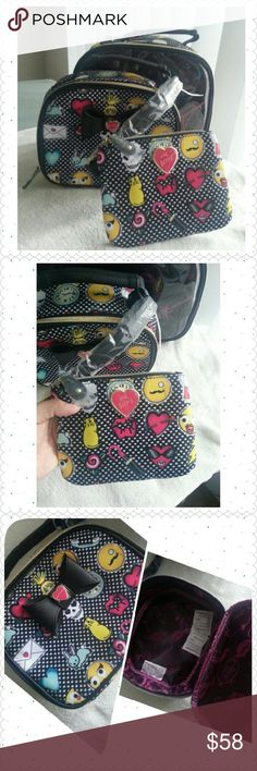 """FINAL SALE💐NO OFFER BetseyJohnson CosmeticBag Set Set of three cosmetic bag set Big one 8.5"""" x 10.5"""" x 4"""" Middle one 7"""" x 8.5"""" x 3"""" Mini one 5"""" x 6.5"""" ( can be used as mini wallet) Betsey Johnson Bags Cosmetic Bags & Cases"""