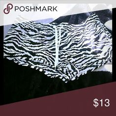 New silky shorts Zebra silt feeling shorts, never worn. These shorts are good to get wet and dry quickly! Shorts