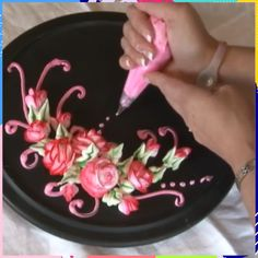 cake decorating videos How To Make Roses Cake Decorating Frosting, Birthday Cake Decorating, Cake Decorating Techniques, Cake Decorating Tutorials, Cookie Decorating, Decorating Cakes, Russian Cake Decorating, Decorating Ideas, Frosting Flowers