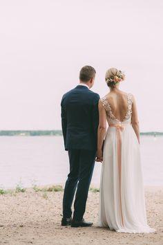 Nea & Matias bohemian wedding in Valkosaaren telakka Helsinki, boheemit häät Helsingissä, hääkuvaus. www.taydenkuunkuva.com