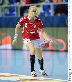 Karolina Siodmiak - Fotos | imago images Running, Sports, Image, Pictures, Hs Sports, Keep Running, Why I Run, Jogging, Sport