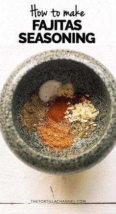 Fajita seasoning All spices that you need for homemade fajitas seasoning. It is great for spice your meat, chicken or vegetables. Want to make this recipe visit thetortillachanne… Fajita Mix, Fajita Seasoning Mix, Fajita Spices, Homemade Fajita Seasoning, Fajita Vegetables, Homemade Seasonings, Seasoning Recipe, Chicken Fajitas Seasoning, Best Fajita Recipe
