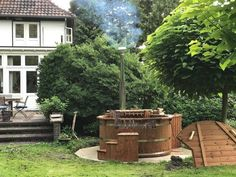 Wooden outdoor spa in thermowood Deluxe, Jeroen, Enschedends, The Netherlands Outdoor Spa, Outdoor Decor, Garden Ideas Uk, Jacuzzi, More Pictures, Firewood, Netherlands, Patio, Hot Tubs