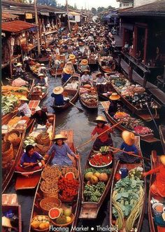 Floating market , Thailand | Interesting Pictures. Where chris wants to live.