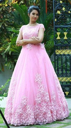 Indian Wedding Gowns, Indian Gowns Dresses, Prom Dresses With Sleeves, Bridal Wedding Dresses, Long Gown Dress, Lehnga Dress, Designer Party Wear Dresses, Designer Gowns, Half Saree Designs