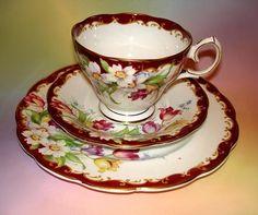 vintage Bell fine bone china tea cup Saucer side plate TRIO Narcissus red rare Vintage Tea, Vintage Shops, Bone China Tea Cups, Side Plates, Fine Porcelain, Tea Cup Saucer, Fine China, Tableware, Tea Sets