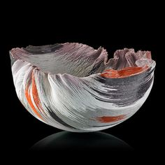 """MARY ANN """"TOOTS"""" Zynsky Untitled filet-de-verre vessel (Tierra del Fuego series), the Netherlands, 1980s. Fused and thermoformed glass threads, Signed Z"""