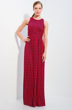 reminiscent of the paisley dress i wanted to wear to junior prom - too bad i wasn't/am not 6 feet tall and 110 lbs