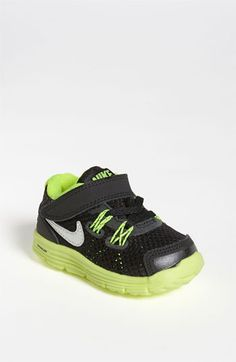 Cutest baby Nikes ever!! Carter needs these!