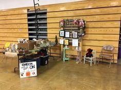 Holiday craft show display
