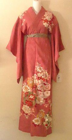Japanese Sewing, Japanese Kimono, Japanese Geisha, Floral Kimono, Silk Kimono, Dressy Outfits, Cute Outfits, 20s Fashion, Fashion Trends