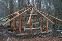 The Dean Field Studies Centre: Roundhouse - a step-by-step guide to building one! Patio Pergola, Backyard, Gazebo, Log Shed, Cob Building, Building Design, Cool Sheds, Hagrids Hut, Pallet Shed