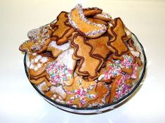 Medenjaci: Najlakši recept za omiljene božićne keksiće - Ljepota i Zdravlje Gingerbread Cake, Tasty, Yummy Food, Apple Pie, Cooking, Ethnic Recipes, Desserts, Christmas, German Recipes
