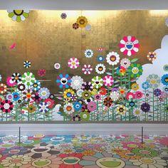 Takashi Murakami mural at Museum of Fine Arts Boston Murakami Artist, Takashi Murakami Art, Psychedelic Effects, Murakami Flower, Images Esthétiques, Japanese Artwork, Pop Culture Art, Virtual Art, Happy Flowers
