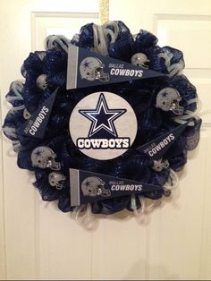 Dallas Cowboy Wreath Cowboys Wreath Football by WreathsbyLinda (wedding door wreaths grooms) Dallas Cowboys Crafts, Dallas Cowboys Wreath, Dallas Cowboys Party, Cowboys Sign, Football Wreath, Wreath Crafts, Diy Wreath, Cowboy Christmas, Country Christmas