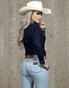 Hot Country Girls, Country Girls Outfits, Cowgirl Outfits For Women, Country Girl Style, Rodeo Outfits, Cute Outfits, Cowboy Boot Outfits, Cowgirl Style Outfits, Vaquera Sexy