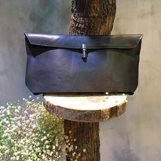 Street Fashion Leather Elegant Bag Clutch Bag For Woman #leather #bag #clutchbag #amazing #street #womanfashion