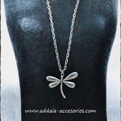 #collar largo de cadena metálica con #libelula www.addaia-accesorios.com #bisuteria #artesana #vegana #handmade #vegan