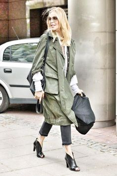 Street LOOK by MS Street Look, Coat, My Style, Hair Styles, Ms, How To Wear, Jackets, Outfits, Fashion