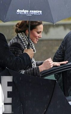 Kate out shopping :)