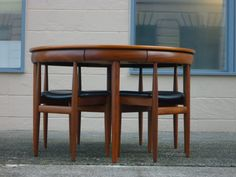 vintage nested dining set--the chairs fit inside the table like puzzle pieces! How freakin cool?!!