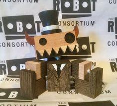 Mr Monsterbags robot
