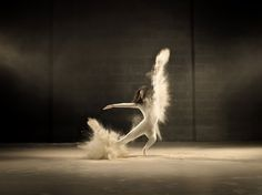 dance performance photographed by Jeffrey Vanhoutte for a powdered creamer commercial - #art meets #dance meets #advertising