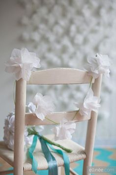 Bridal Shower  : DIY Paper Napkin Flower Garland