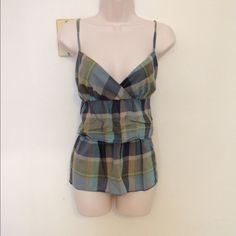 ✂️FINAL CUT✂️NEVER WORN LOFT plaid tiered tank! Beautiful colors, flattering tiered material.  Size Medium.  Adjustable straps, elastic back panel for a great extra stretch if needed.  100% cotton, lined.  Don't miss! LOFT Tops Tank Tops