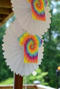 Hosting a Tie Dye Party/Tie Dye Party Decorations #tiedyeyoursummer #michaelsmakers
