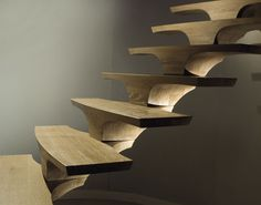 Floating circular design staircase (wooden steps) - CONCORDE - Marretti