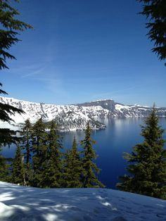 Crater Lake Oregon...  So beautiful!