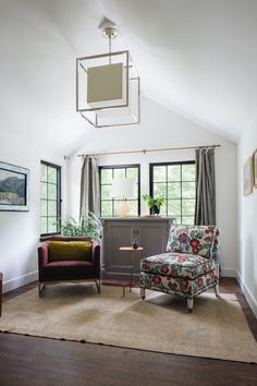 English Cottage | lark & linen Living Room Designs, Living Room Decor, Vintage Bedroom Furniture, Cottage Style Homes, Family Room Design, Farmhouse Style Kitchen, Master Bedroom Design, Master Bedrooms, Beautiful Interiors