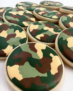 Camo cookies for a 5th birthday party today. It was my first time doing camo on cookies so I wasn't sure what to expect! Haha!  They came out better than I hoped. Happy 5th birthday, Raiden! #cakemeaway #cakemeawayfresno #camocookies #camouflage #camobirthday #5thbirthday #decoratedcookies #sugarcookies #royalicing #cookiesofinstagram #bakedwithlove #handmadewithlove Camo Birthday Cakes, Army Birthday Parties, Army's Birthday, Hunting Birthday, Birthday Cookies, Galletas Cookies, Sugar Cookies, Camo Cookies, Camping Cookies